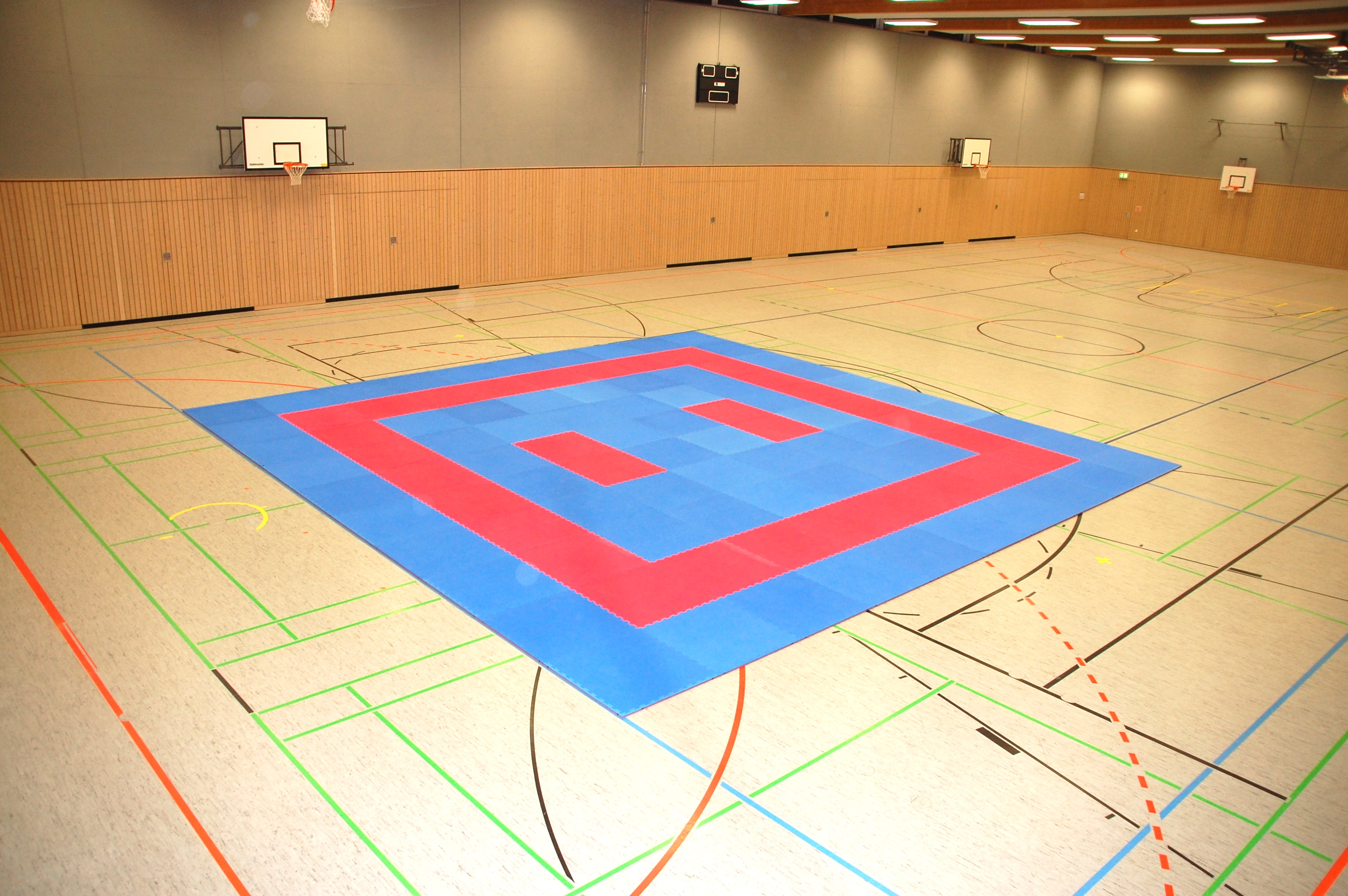 Ballsporthalle und Sportmatten - Karate SV Ingolstadt Haunwöhr