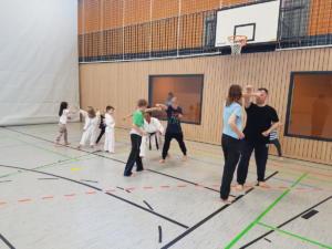 Anfängerkurs für Jung und Alt - Karate SV Ingolstadt-Haunwöhr